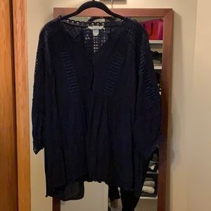 Sundance navy blue blouse with 3/4 sleeves.